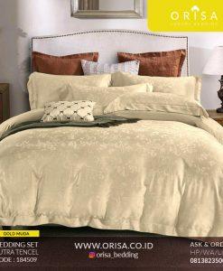 seprai-bedcover-se-mewah-warna-gold-muda-orisa-bedding