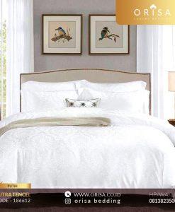 sprei bedcover putih sutra jacguard tencel